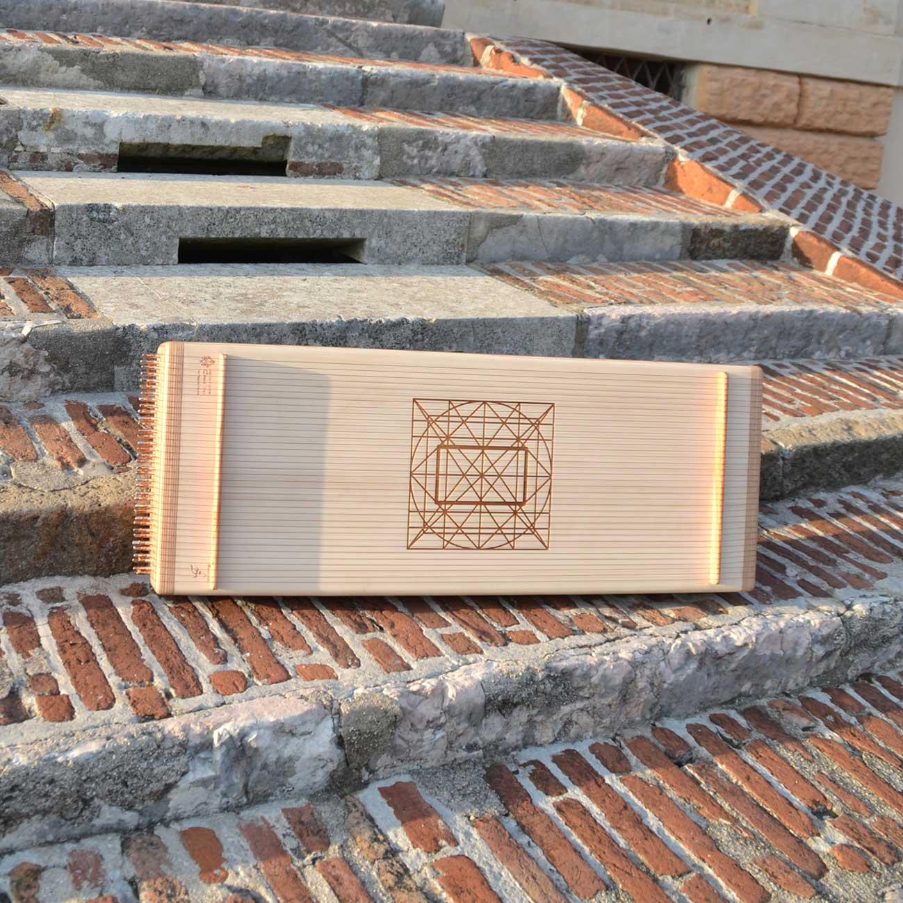 Monocorda arca per suonoterapia vibrazionale - foto mobile